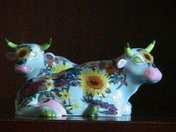 Colorful Cows Salt & Pepper Shakers